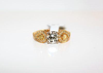 ladies-18kt-yellow-gold-natural-fancy-yellow-white-diamond-ctr-0-99ct-vvs1-j